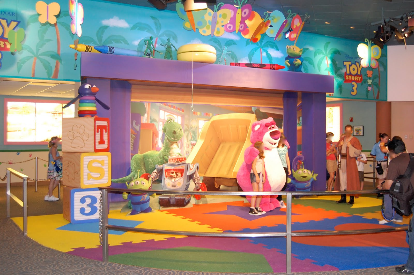 Toy Story 3 Sunnyside Daycare : Disneyshawn meet lotso