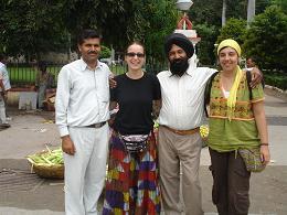 gran casualitat! Ens trobem el conductor de Delhi a Udaipur (500 Km/.) i 20 dies despres...
