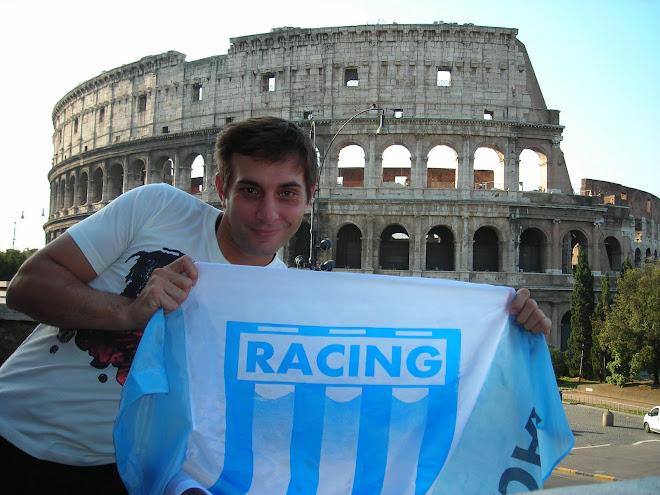 Racing por el mundo... Facu en el Coliseo Romano