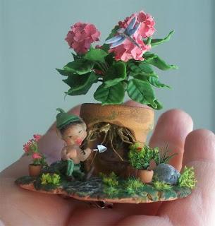 calixto plantando macetas
