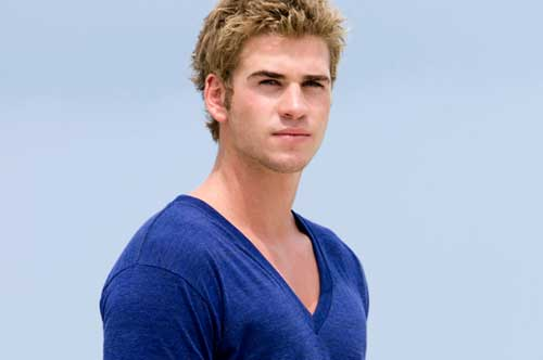 Liam Hemsworth Has Read the Hunger Games Script and is Interested in    Liam Hemsworth The Last Song Volleyball
