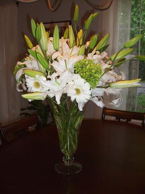 Here 39s a look at the flowers I arranged for the centerpiece of the buffet
