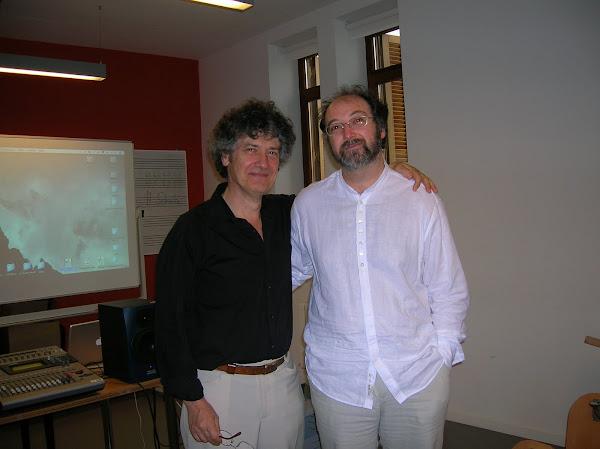Junto a Robert Pascal.