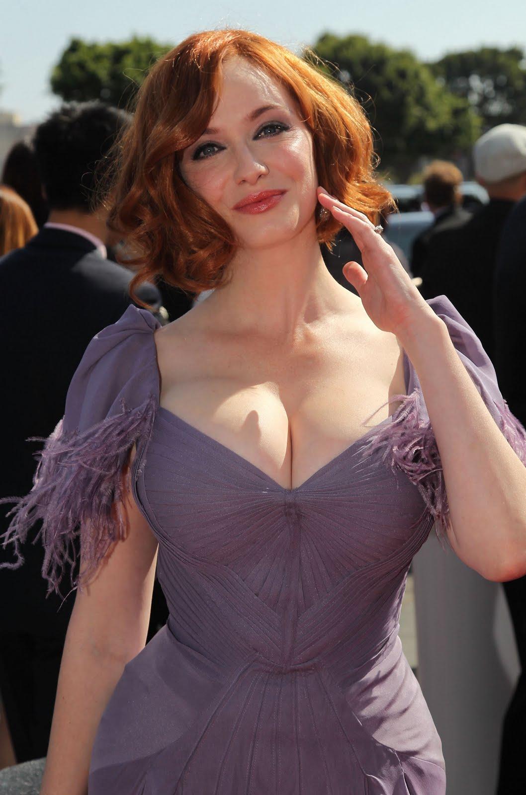 http://1.bp.blogspot.com/_TsLCLDRh1kY/TUVf-jmvdcI/AAAAAAAABDE/Xp4E5U6Iijs/s1600/christina-hendricks-boobs_boobs_1.jpg