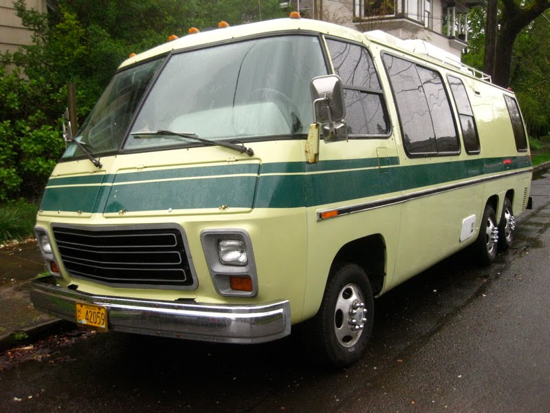 Wonderful  Courtesy Of General Motors Motorhome Magnificence  1973 GMC Motorhome