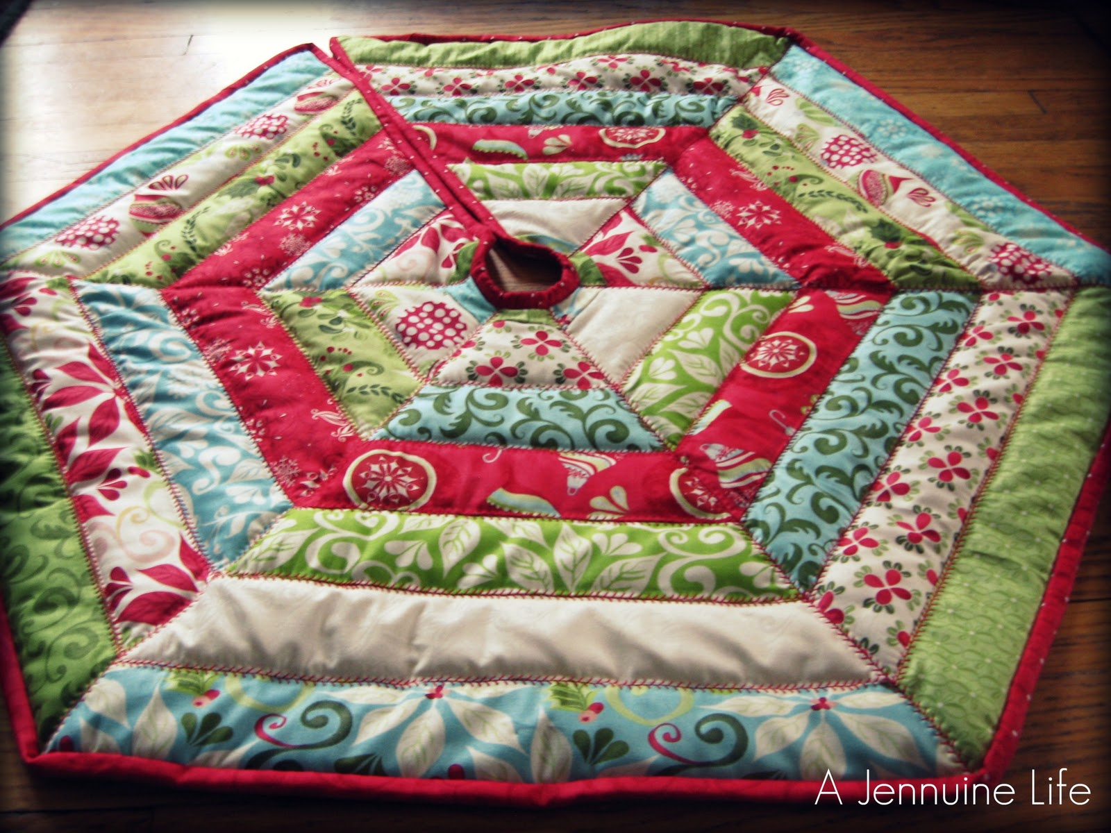 christmas tree skirt: