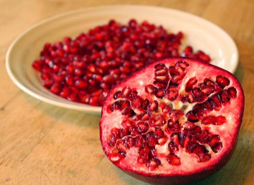 how to keep pomegranate seeds