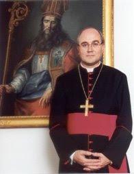 Monseñor González Montes impartirá el sacramento de la confirmación a hermanos del Perdón
