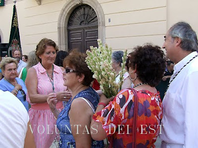 La ofrenda floral a la Virgen del Mar en VOLUNTAS DEI EST