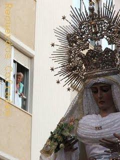 La Virgen de la Paz preside el rosario de la aurora por las calles de la feligresía del Espíritu Santo
