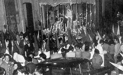 La Esperanza, el Miércoles Santo de 1970, en un artículo de Antonio González Vizcaíno