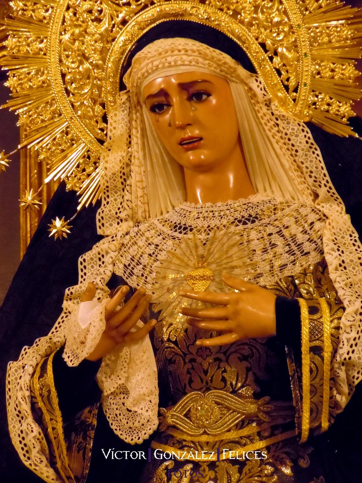La Virgen de la Esperanza de luto