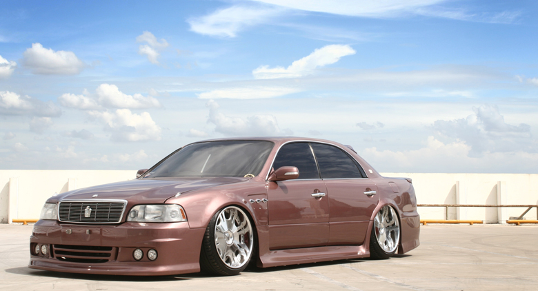 Toyota-CROWN-majesta-1.
