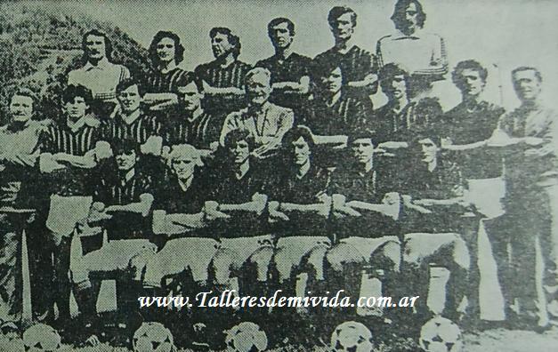 equipo de Milan en el partido contra Talleres