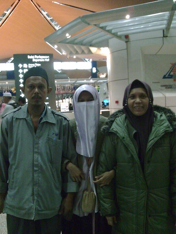 My Lovely Parents..... =)
