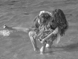 Los amores de verano son como estrellas fugaces.