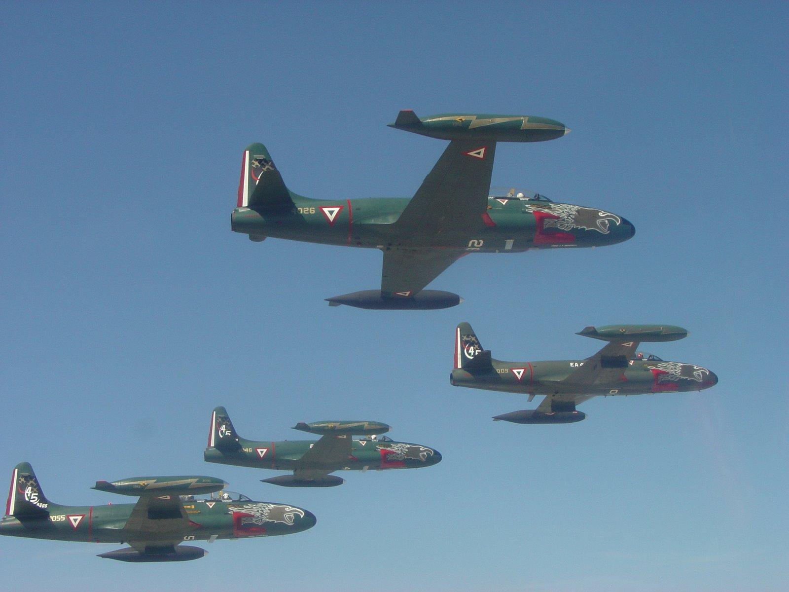 T-33 Fuerza Aerea Mexicana - Página 4 T-33+ESCUADRON+EN+VUELO
