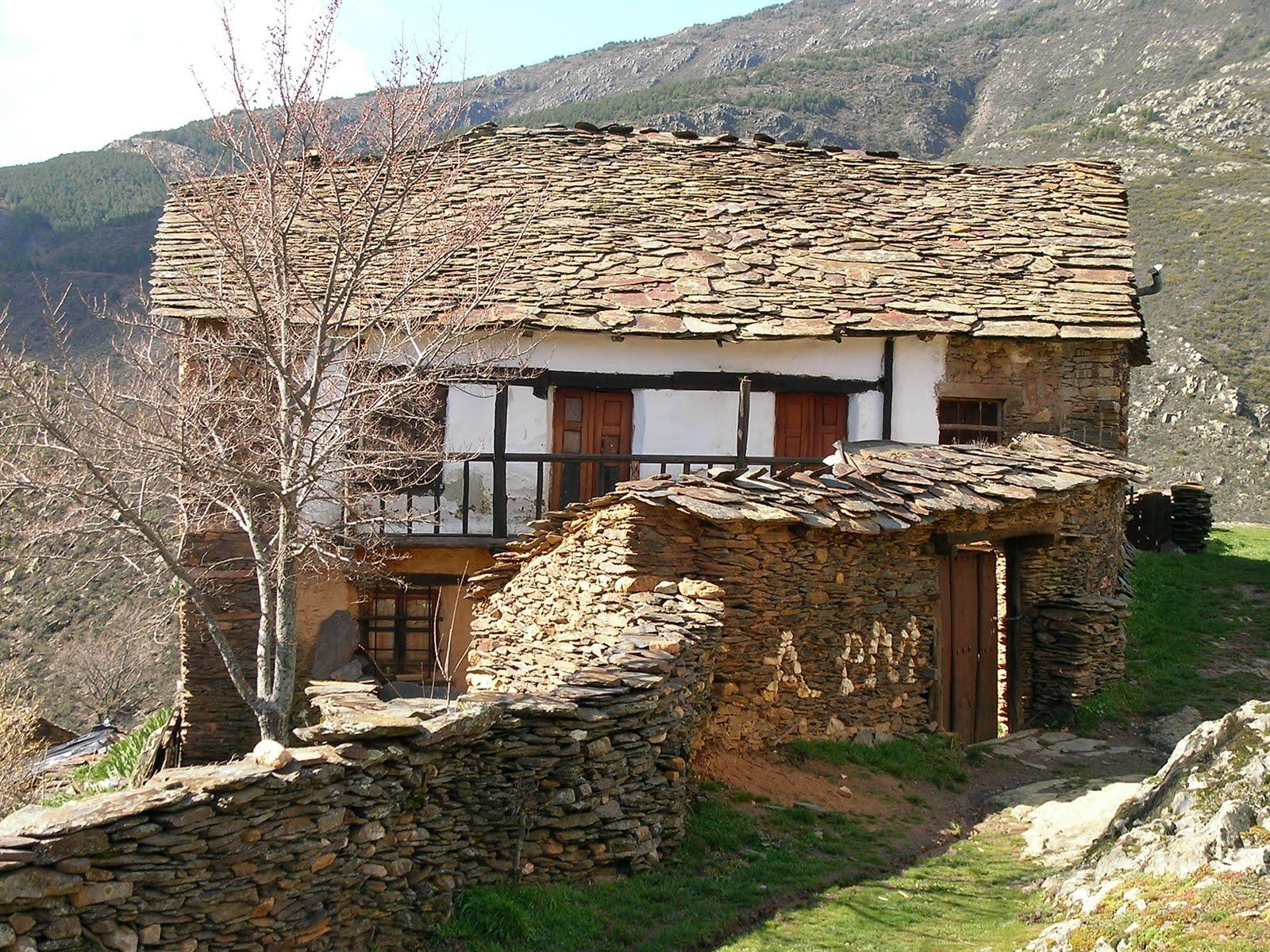 La vereda guadalajara la casa de los balcones - Casas de pueblo en guadalajara ...