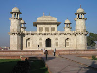 Itmad-ud-daulah -agra vacation- famous places in india