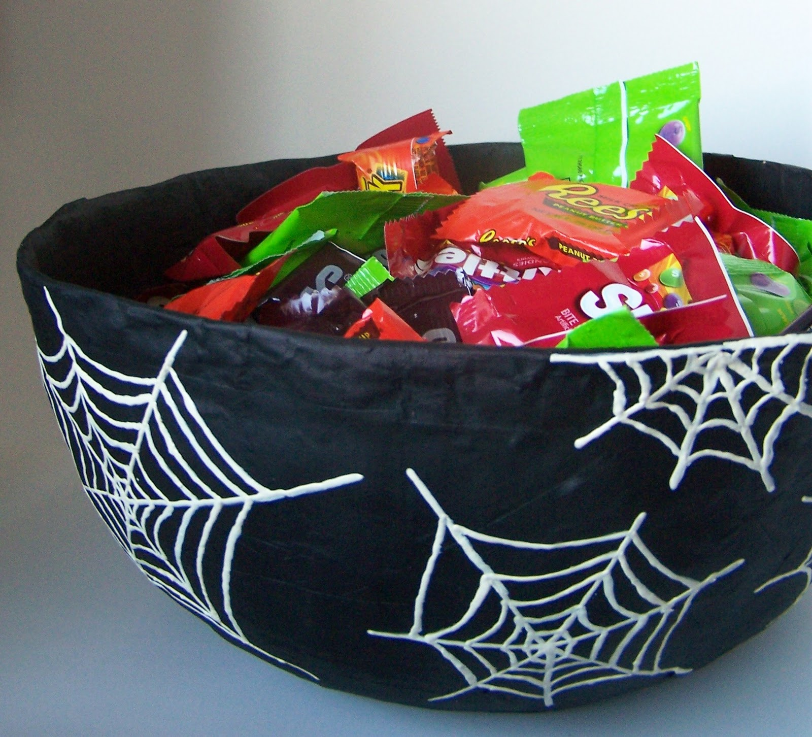 repurpose relove: DIY Halloween Candy Bowl