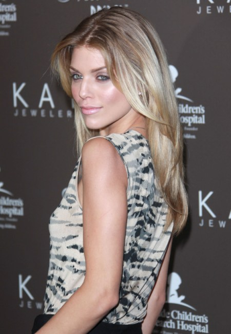 AnnaLynne McCord sported this retro 60s hairstyle when she stepped out for