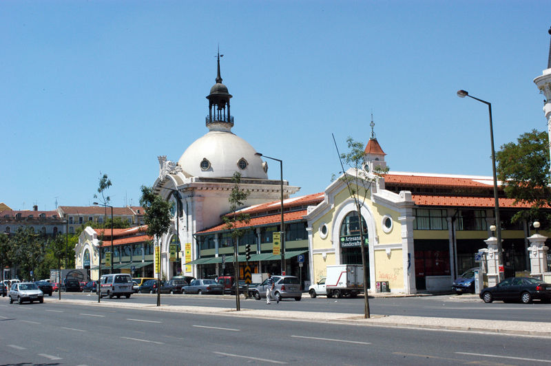 http://1.bp.blogspot.com/_U0Mk_SlEI5M/THj6o6af0YI/AAAAAAAABTc/2-n20CHsORA/s1600/mercado_da_ribeira_foto_lu_s_ponte_1.jpg