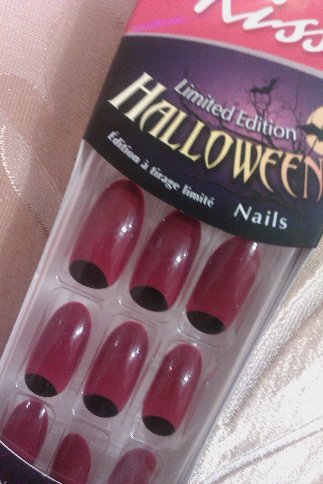Chloe Beauty NYC: Vamp Up Your Halloween with Kiss Nails!!