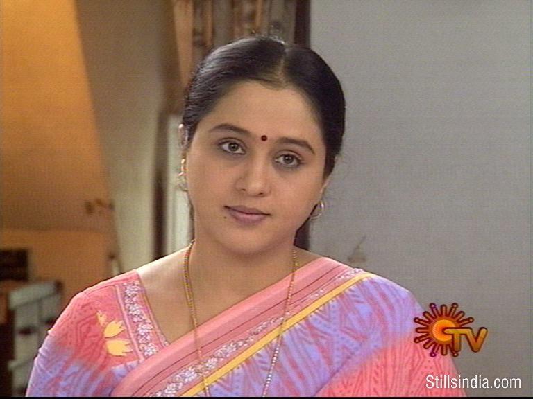pirivom santhipom serial actress mahalakshmi photos of