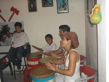 Tocando os tambores