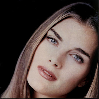 What is the controversy surrounding the naked photos of Brooke Shields in a tub?