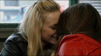 Sacha Parkinson and Brooke Vincent, Lesbian Kiss