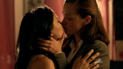 Christine Woods and Navi Rawat,Lesbian kiss FlashForward