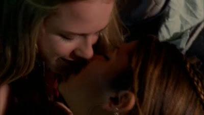 Evan Rachel Wood and Nikki Reed, Kiss
