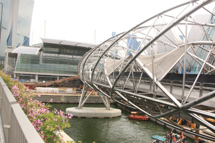 helix bridge how to get there