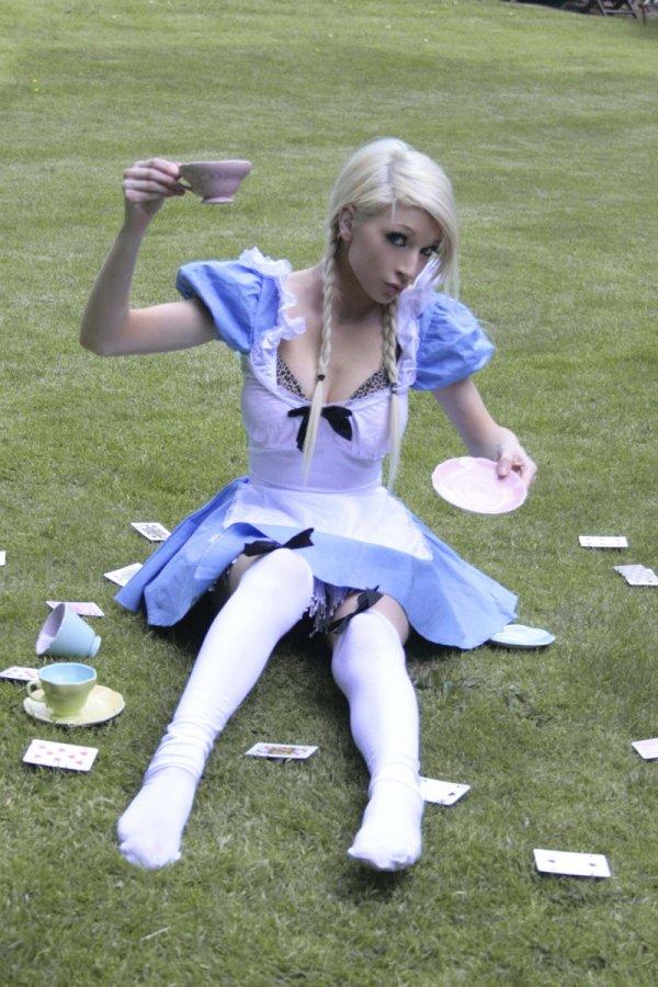 Alice in Wonderland Adult