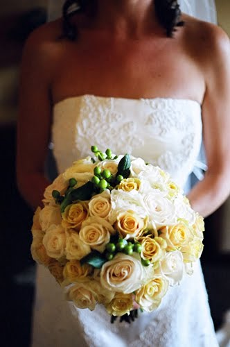 Alhamdulillah bejo: Yellow and White Rose Bouquets
