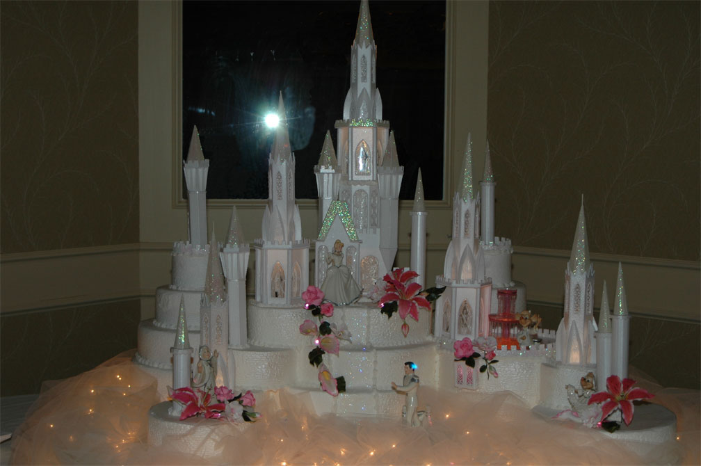 Wedding Cakes Pictures: Cinderella Castle Wedding Cake