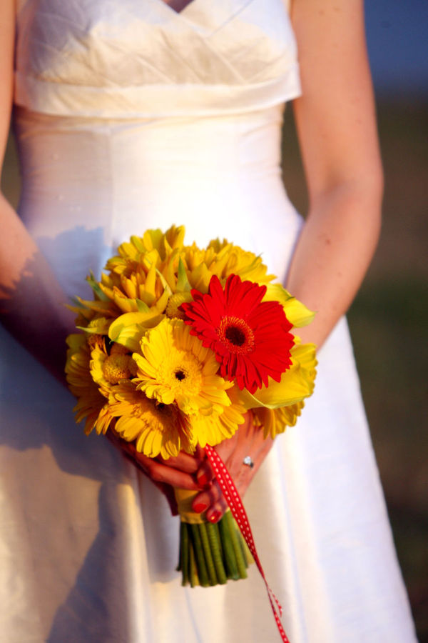 Bouquet bridal wedding flowers in red and yellow wedding flowers in red and yellow mightylinksfo