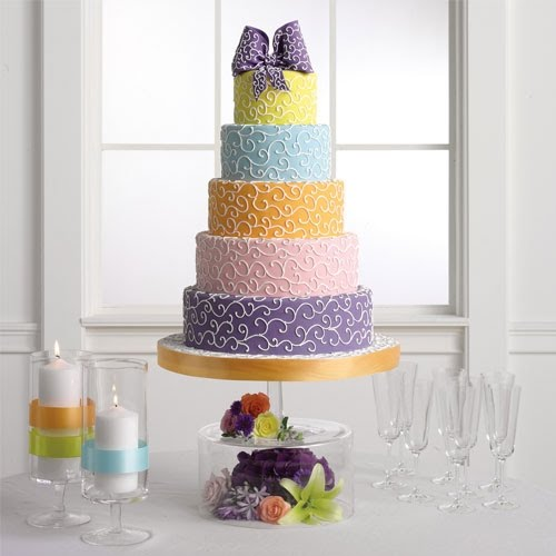 Very similar to the wedding cake above but with bigger swirl pattern