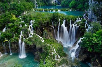 Beautiful Nature Waterfalls Wallpaper