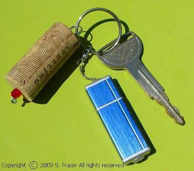 Cork%252520key%252520chain O que fazer com rolhas de vinho.