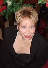 Lisa R Clark