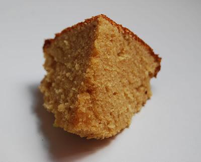 Cake au beurre de cacahu tes pralinette en vadrouille - Gateau beurre de cacahuete ...