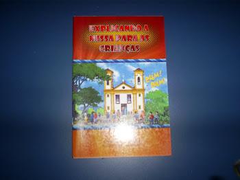 Vendo Livro Explicando a Missa para as crianças