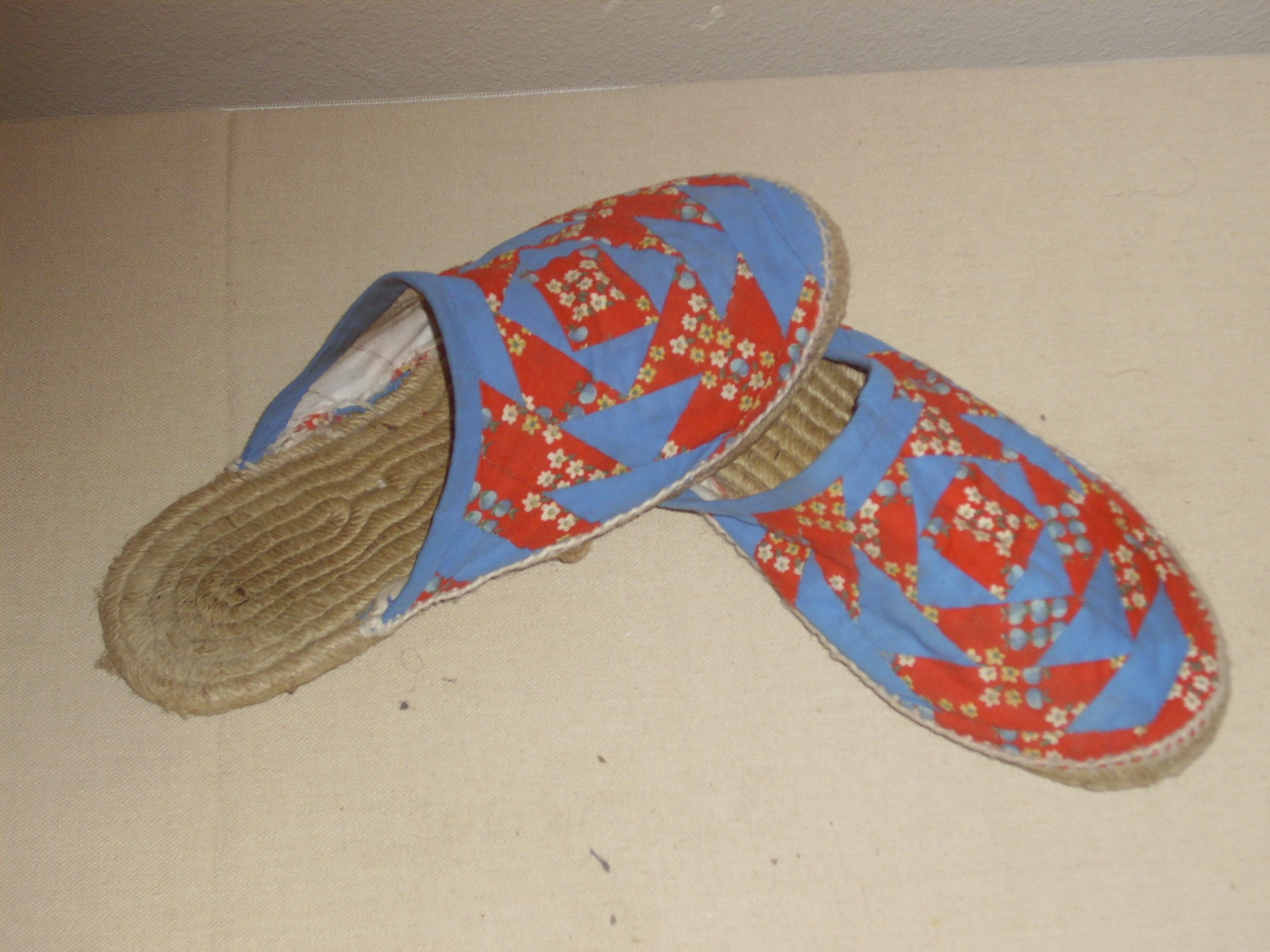 Hecho a mano zapatillas patchwork - Tecnicas de patchwork a mano ...