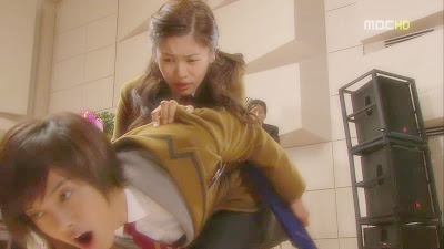 Sinopsis Naughty Kiss Episode 6