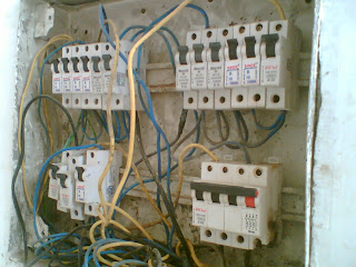 an american in delhi frightening electrical panels in indian modern rh american in delhi blogspot com modern electrical wiring pdf modern home electrical wiring