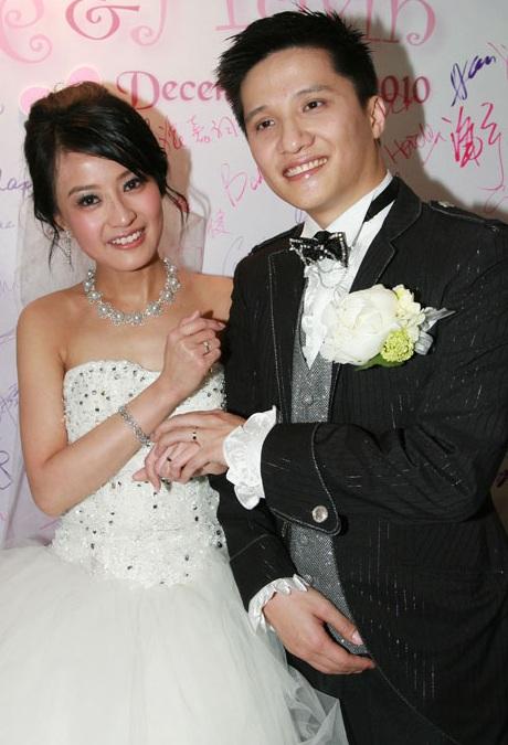 skye chan cries 1 liter of tears on wedding day kays