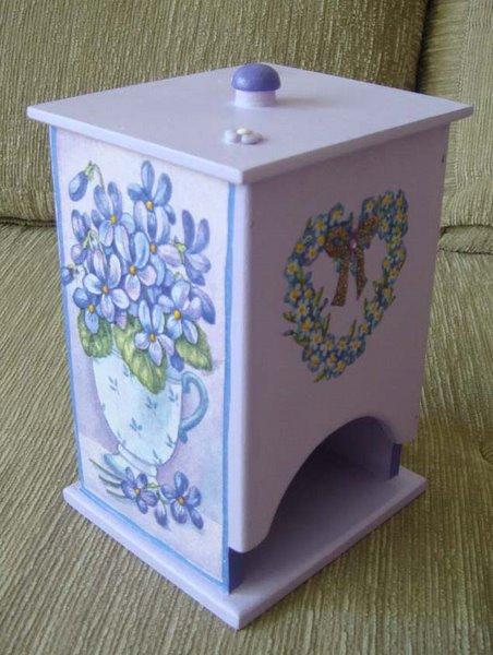 Porta Absorvente Lilás coração de flores - R$ 20,00