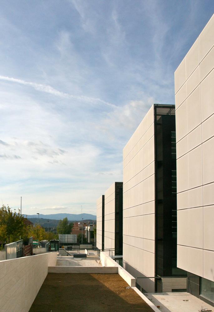 Jsim proyectos 2006 2008 edificio de oficinas y for Oficina de correos las rozas